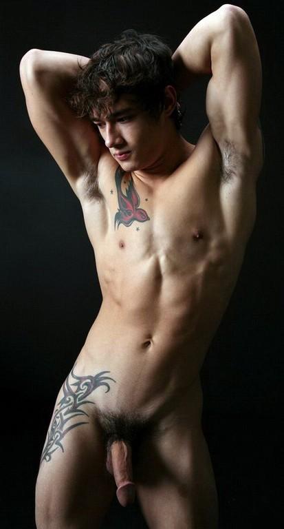boy gay nudi escort 18 anni milano